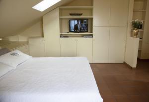 Mansard very close to Duomo, Appartamenti  Milano - big - 18