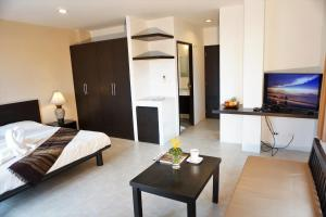 Chaofa West Suites, Apartmány  Chalong  - big - 16