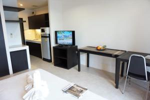 Chaofa West Suites, Apartmány  Chalong  - big - 24