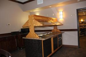 Bell's Extended Stay and Suites, Отели  Saint Robert - big - 36
