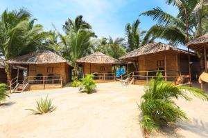 Rustic hut for 3 on Benaulim Beach, by GuestHouser