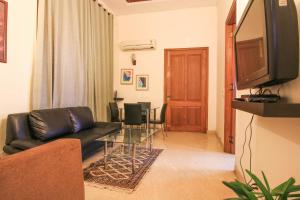 1 BHK Apartment in Greater Kailash, New Delhi, by GuestHouser (62FD), Ferienwohnungen  Neu-Delhi - big - 3
