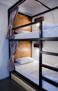 Private Room with Bunk Beds and Shared Bathroom