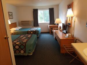 Family Room with Two Double Beds - Non-Smoking
