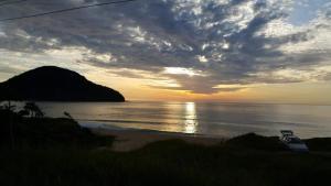 Quitinete Praia Vermelha Norte, Ferienhäuser  Ubatuba - big - 9