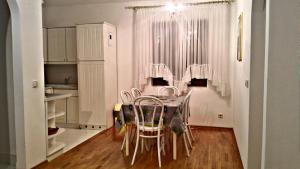 Apartment Mara, Апартаменты  Биоград-на-Мору - big - 26