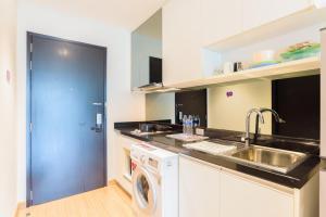 Sky walk condominium, Apartments  Bangkok - big - 49