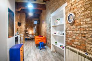 Via Mazzini 34 - AbcAlberghi.com