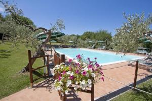 Serristori Country - Poggio Al Frantoio, Apartments  Tavarnelle in Val di Pesa - big - 1