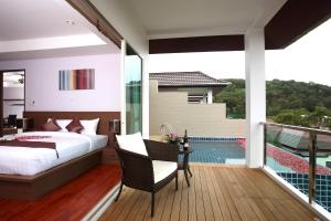 Bangtao Tropical Residence Resort and Spa, Resorts  Bang Tao Beach - big - 28