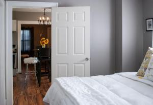 Hamilton House Indy, Отели типа «постель и завтрак»  Индианаполис - big - 5