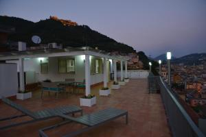 Domina Fluctuum - Penthouse in Salerno Amalfi Coast, Apartments  Salerno - big - 41