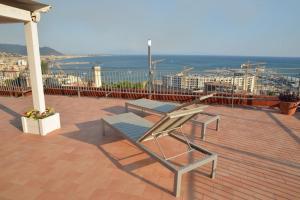 Domina Fluctuum - Penthouse in Salerno Amalfi Coast, Apartmanok  Salerno - big - 46