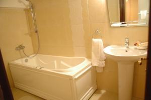 Hotel Voila, Hotel  Constanţa - big - 21