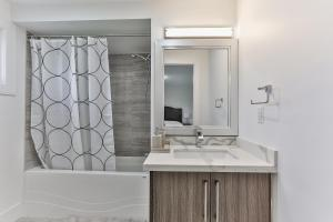 QuickStay - Classy 5bdrm House in Vaughan, Holiday homes  Toronto - big - 32