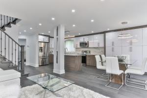 QuickStay - Classy 5bdrm House in Vaughan, Prázdninové domy  Toronto - big - 1