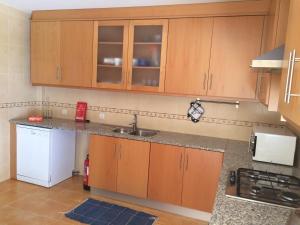 Villa Rominha III - Nazaré, Apartmanok  Nazaré - big - 10