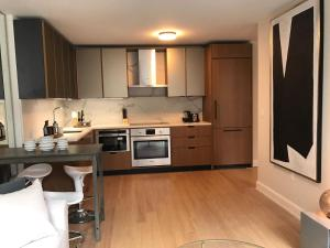 Exquisite 2 Bedroom 2 Baths all modern and High end Furniture, Apartmány  New York - big - 4