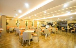 SoleMare Parksuites LuxSensa, Apartmány  Manila - big - 48