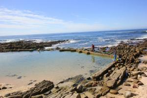 1 Point Village Guesthouse & Holiday Cottages, Apartmanok  Mossel Bay - big - 102