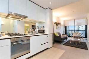 COMPLETE HOST St Kilda Rd Apartments, Апартаменты  Мельбурн - big - 47