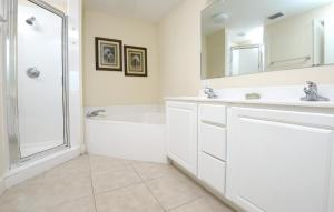 Sunrise 1106 Condo, Apartmány  Panama City Beach - big - 42
