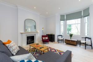 2 Bedroom Apartment in Hampstead.  Foto 4