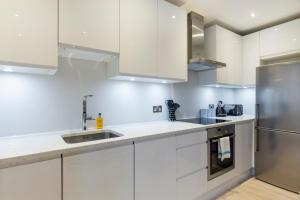 2 Bedroom Apartment in Hampstead.  Foto 11