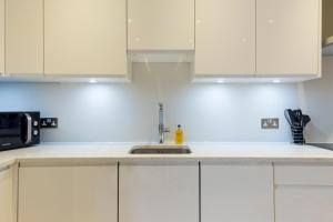 2 Bedroom Apartment in Hampstead.  Foto 12