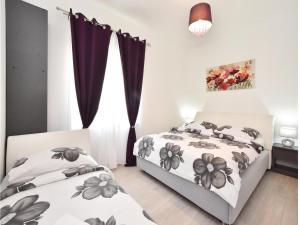 Four-Bedroom Holiday Home in Kastel Novi, Dovolenkové domy  Kaštel Novi - big - 19