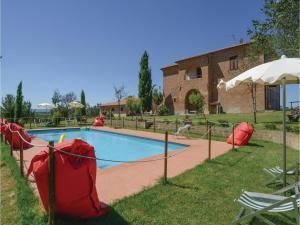 Seven-Bedroom Holiday Home in Castiglione d.Lago-P - AbcAlberghi.com