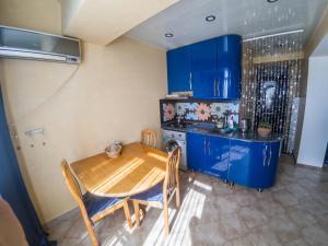Apartment on 26 May 10/12, Apartments  Batumi - big - 41