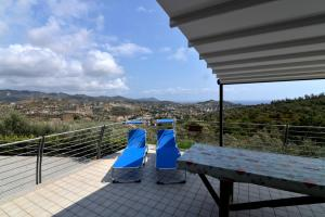 Into the Wild and Sea View, Holiday homes  Civezza - big - 20