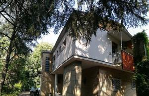 Farolfi Apartments Villa Vallescura - AbcAlberghi.com