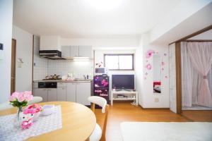 Shinsaibashi 8ppl, Апартаменты  Осака - big - 61