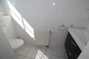 Ferienwohnung Kranichglück, Appartamenti  Neddesitz - big - 11