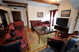 Etno selo Stanisici & Hotel Pirg, Szállodák  Bijeljina - big - 2