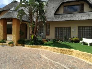 All over Africa Guest house, Penzióny  Kempton Park - big - 33