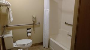 Queen Room - Diability Access/Bath Tub