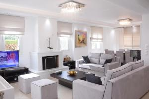 Keratea Luxury Villa -Athens Airport