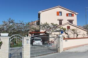 House Milan, Appartamenti  Fažana - big - 1