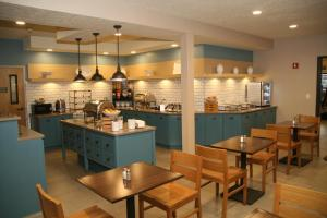 Country Inn & Suites by Radisson, Prineville, OR, Hotel  Prineville - big - 22