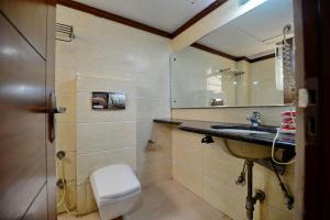 Hotel Daanish Residency, Отели  Нью-Дели - big - 57