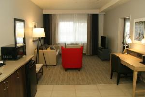 One-Bedroom King Suite with Whirlpool