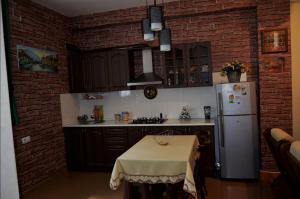 SafeHouse Guest House, Penziony  Tbilisi City - big - 9