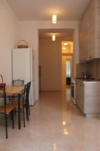 apartment, Apartmány  Tbilisi City - big - 15