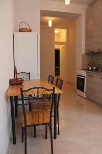 apartment, Apartmány  Tbilisi City - big - 12