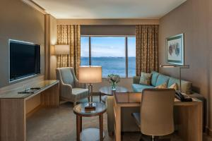 Marmara Suite with Sea View and Lounge Access