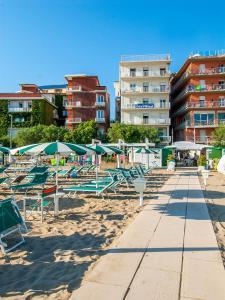 Strand Hotel, Hotels  Gabicce Mare - big - 1