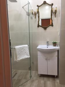 Charming Apartment in Old Town, Апартаменты  Тбилиси - big - 8